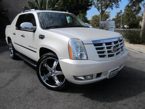 2007 Cadillac Escalade EXT for sale at ORANGE COUNTY AUTO WHOLESALE in Irvine CA