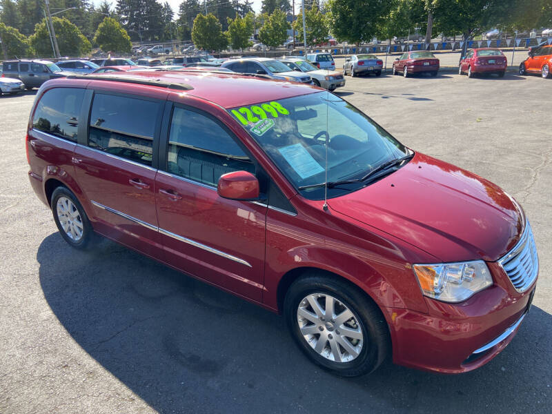2014 Chrysler Town and Country for sale at Pacific Point Auto Sales in Lakewood WA