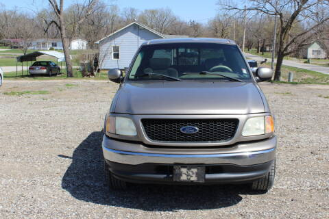 2001 Ford F-150 for sale at Bailey & Sons Motor Co in Lyndon KS