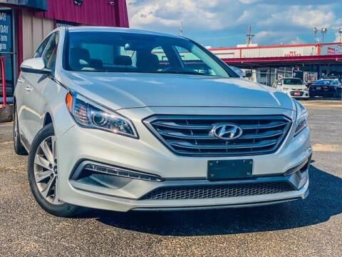 2016 Hyundai Sonata for sale at MAGNA CUM LAUDE AUTO COMPANY in Lubbock TX