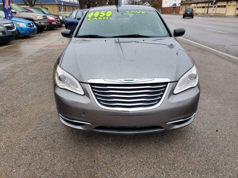 2011 Chrysler 200 for sale at Street Side Auto Sales in Independence MO