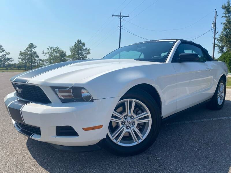 2012 Ford Mustang for sale at AUTO DIRECT in Houston TX