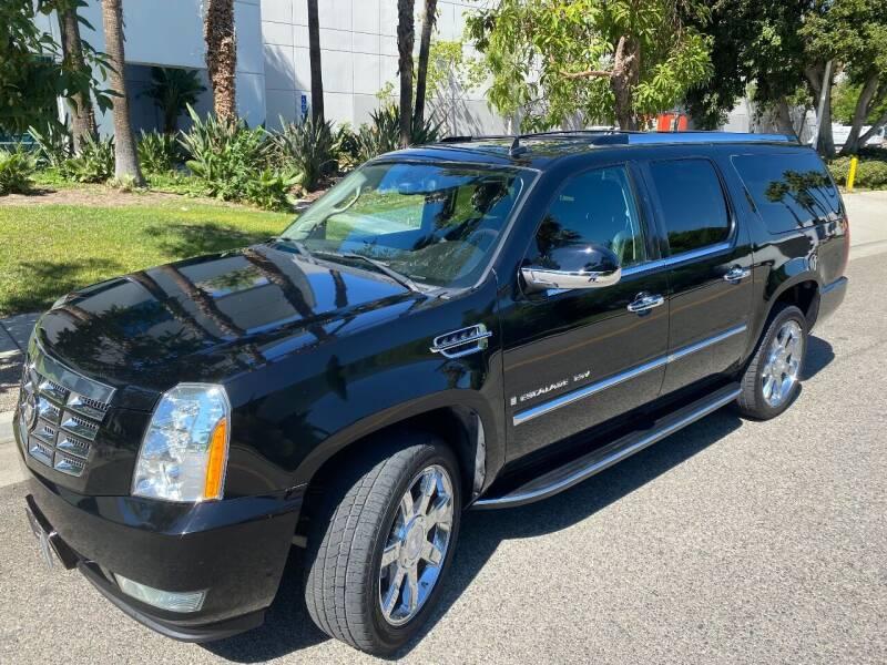 2007 Cadillac Escalade ESV for sale at Donada  Group Inc in Arleta CA