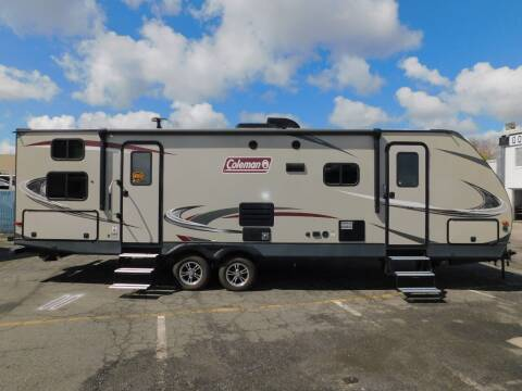 2018 Dutchmen COLEMAN 2835BH for sale at Gold Country RV in Auburn CA