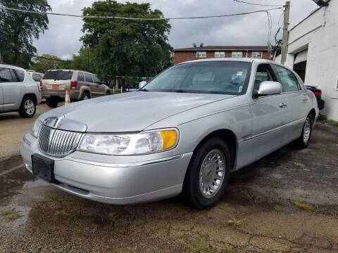 1999 Lincoln Town Car for sale at RBM AUTO BROKERS in Alsip IL