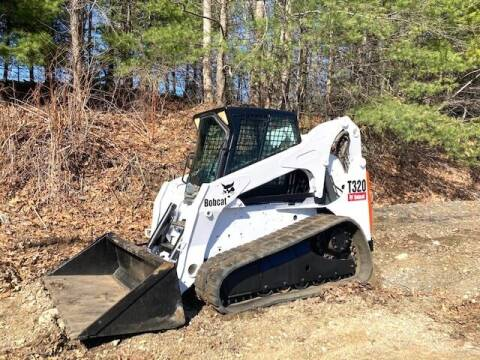 2009 Bobcat t-320 for sale at Bay Road Trucks in Rowley MA