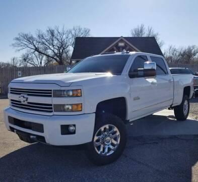 2016 Chevrolet Silverado 2500HD for sale at Farha Used Cars in Wichita KS