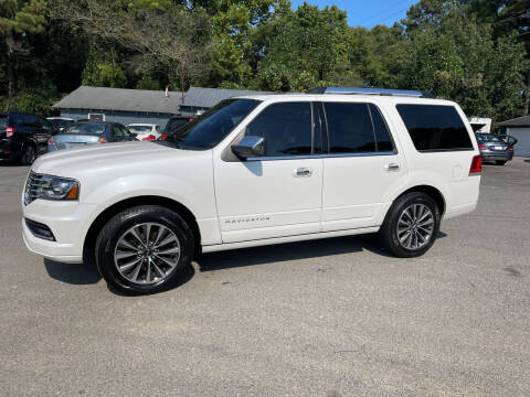 2015 Lincoln Navigator for sale at Adairsville Auto Mart in Plainville GA