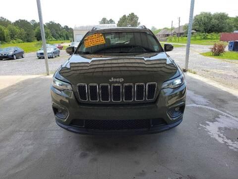 2019 Jeep Cherokee for sale at Auto Guarantee, LLC in Eunice LA