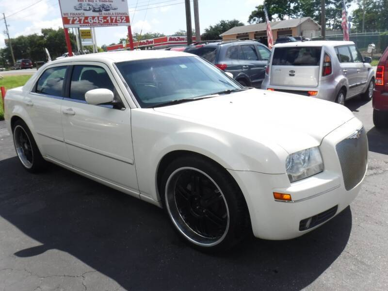 2005 Chrysler 300 for sale at LEGACY MOTORS INC in New Port Richey FL