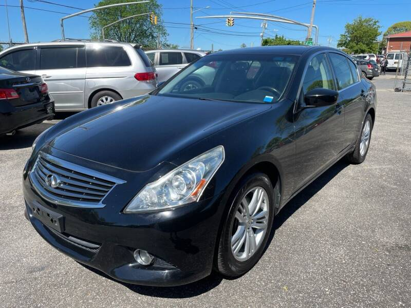 2013 Infiniti G37 Sedan for sale at American Best Auto Sales in Uniondale NY