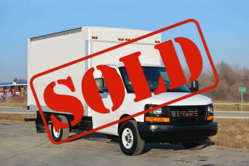 2015 GMC Savana Cutaway for sale at Signature Truck Center - Box Trucks in Crystal Lake IL
