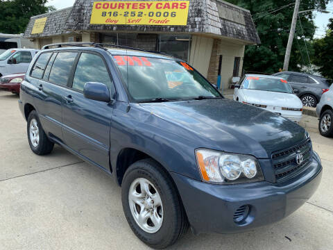 2003 Toyota Highlander for sale at Courtesy Cars in Independence MO