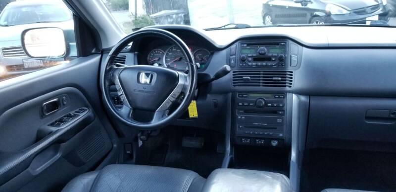 2005 Honda Pilot 4dr EX-L 4WD SUV w/Leather and Entertainment System - Roxbury MA