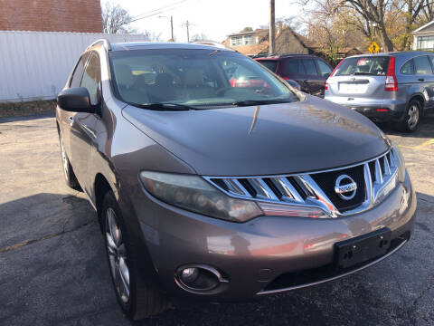 2009 Nissan Murano for sale at Best Deal Motors in Saint Charles MO