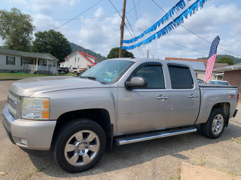 2009 Chevrolet Silverado 1500 for sale at MYERS PRE OWNED AUTOS & POWERSPORTS in Paden City WV