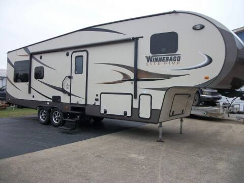 2014 Winnebago Lite Five 29fwrls for sale at Classics Truck and Equipment Sales in Cadiz KY