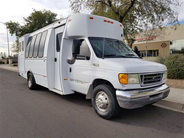 2003 Ford E-Series Chassis E-450 SD