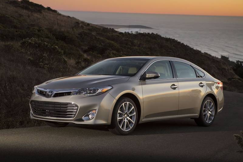 2014 Toyota Avalon for sale at American Muscle Motorsports in Sioux Falls SD
