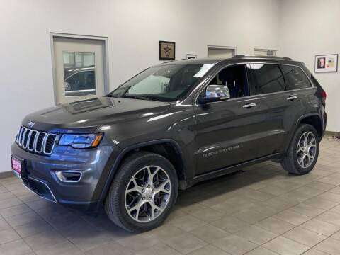2019 Jeep Grand Cherokee for sale at DAN PORTER MOTORS in Dickinson ND