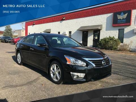 2014 Nissan Altima for sale at METRO AUTO SALES LLC in Blaine MN