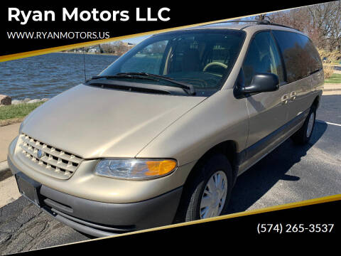 2000 Plymouth Grand Voyager for sale at Ryan Motors LLC in Warsaw IN