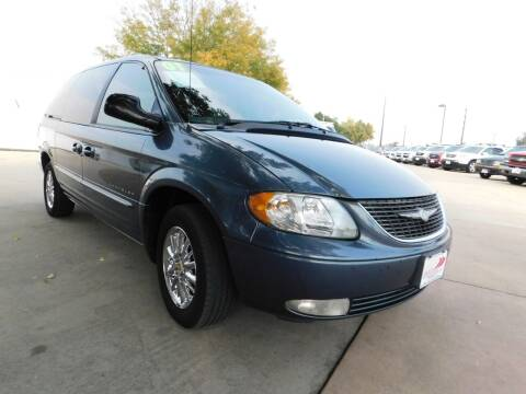 2001 Chrysler Town and Country for sale at AP Auto Brokers in Longmont CO