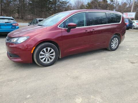 2017 Chrysler Pacifica for sale at B & B GARAGE LLC in Catskill NY