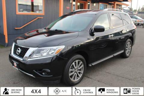 2014 Nissan Pathfinder for sale at Sabeti Motors in Tacoma WA