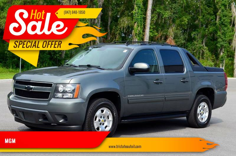 2011 Chevrolet Avalanche for sale at MGM CLASSIC CARS in Addison, IL