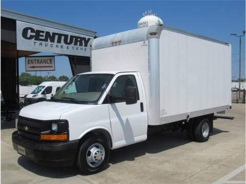 2017 Chevrolet Express Cutaway for sale at CENTURY TRUCKS & VANS in Grand Prairie TX