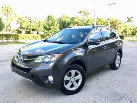 2013 Toyota RAV4 for sale at Global Auto Sales USA in Miami FL