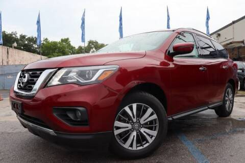 2018 Nissan Pathfinder for sale at OCEAN AUTO SALES in Miami FL
