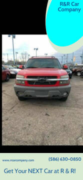 2002 Chevrolet Avalanche for sale at R&R Car Company in Mount Clemens MI