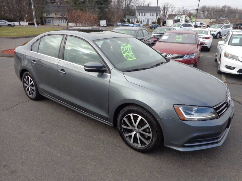 2017 Volkswagen Jetta for sale at BETTER BUYS AUTO INC in East Windsor CT