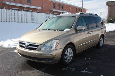 2007 Hyundai Entourage for sale at Auto Bahn Motors in Winchester VA