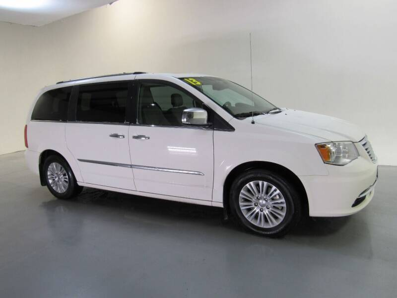 2013 Chrysler Town and Country for sale at Salinausedcars.com in Salina KS