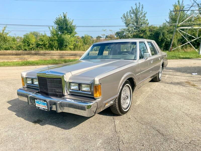 1989 Lincoln Town Car for sale at Siglers Auto Center in Skokie IL