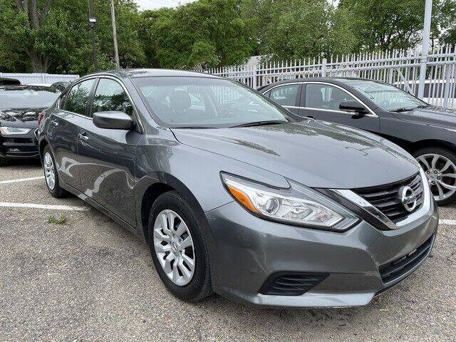 2017 Nissan Altima for sale at SOUTHFIELD QUALITY CARS in Detroit MI