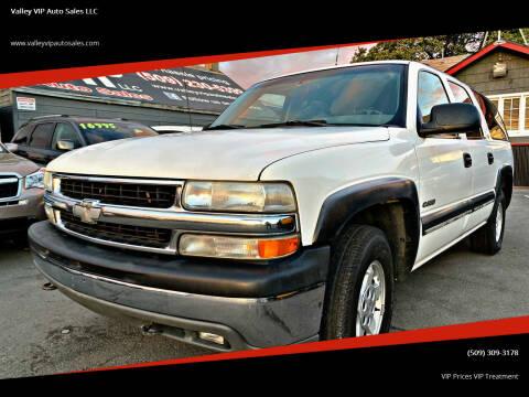 2000 Chevrolet Suburban for sale at Valley VIP Auto Sales LLC in Spokane Valley WA