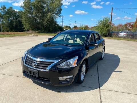 2013 Nissan Altima for sale at Mr. Auto in Hamilton OH
