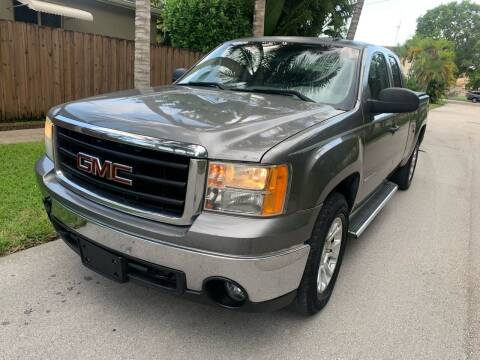 2009 GMC Sierra 1500 for sale at FINANCIAL CLAIMS & SERVICING INC in Hollywood FL