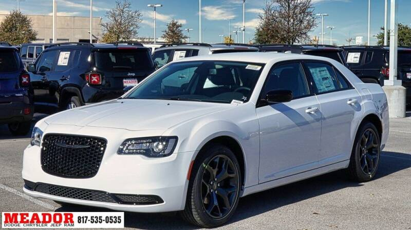 2021 Chrysler 300 for sale in Fort Worth, TX