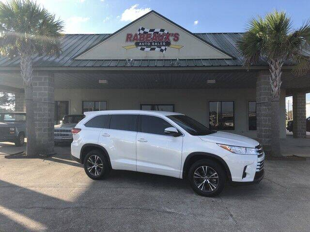 2018 Toyota Highlander for sale at Rabeaux's Auto Sales in Lafayette LA