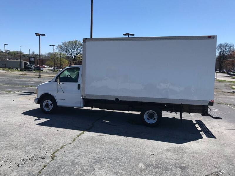 1999 Chevrolet Express Cutaway for sale at Knoxville Wholesale in Knoxville TN