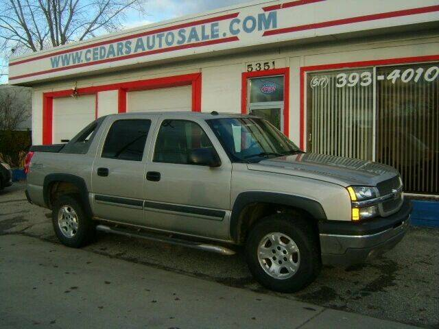 2004 Chevrolet Avalanche for sale at Cedar Auto Sales in Lansing MI