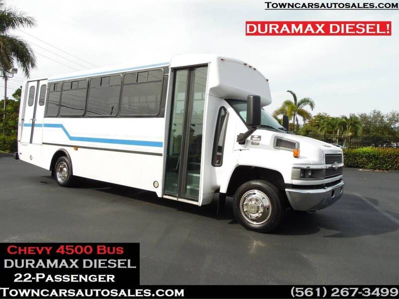 2007 Chevrolet C5500 for sale at Town Cars Auto Sales in West Palm Beach FL