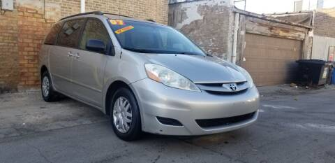 2007 Toyota Sienna for sale at U.S. Auto Group in Chicago IL