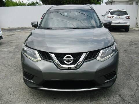 2015 Nissan Rogue for sale at SUPERAUTO AUTO SALES INC in Hialeah FL