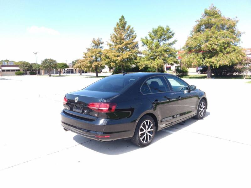 2016 Volkswagen Jetta 1.4T SE 4dr Sedan 6A w/Connectivity - Mckinney TX